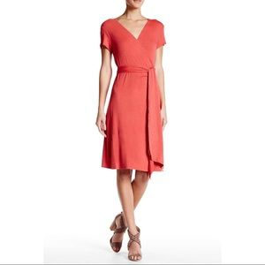 Max Studio Heathered Red Short Sleeve Wrap Dress